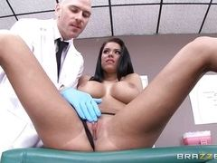 curvaceous chick sucking her doctor's dick